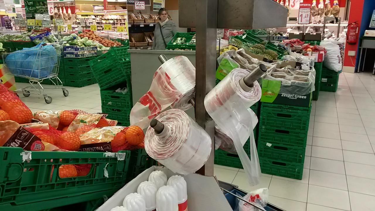 Bolsas de plástico gratis en el Simply