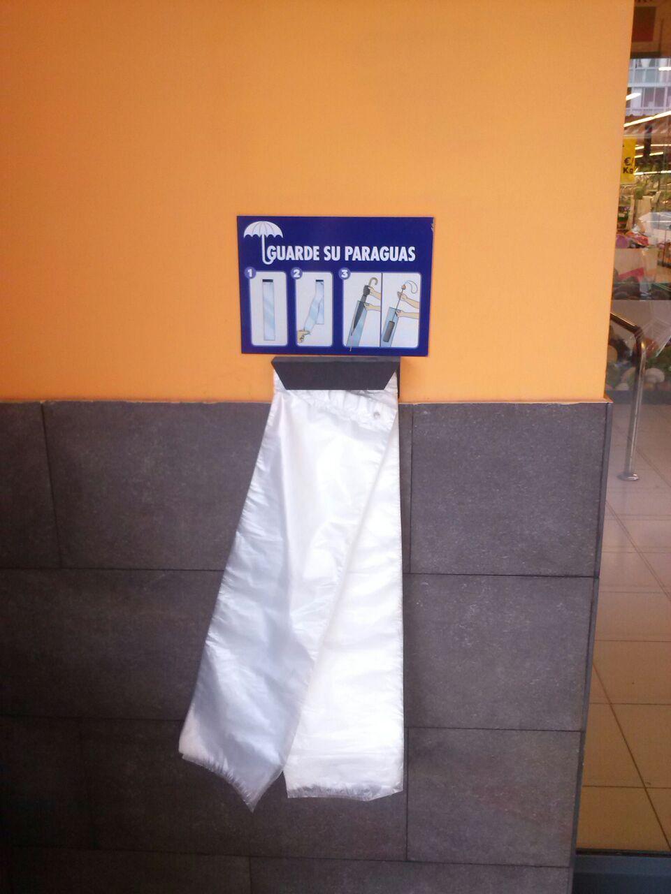 bolsas de plástico para paraguas en Mercadona